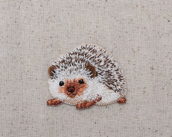 Hedgehog - Natural - Embroidered Patch - Iron on Applique - 1516691A