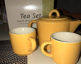 Tea infuser with 2 cups