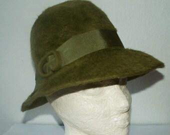 Fur felt green hat Ladies/around 1970
