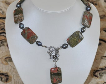 Stone and  black pearl necklace