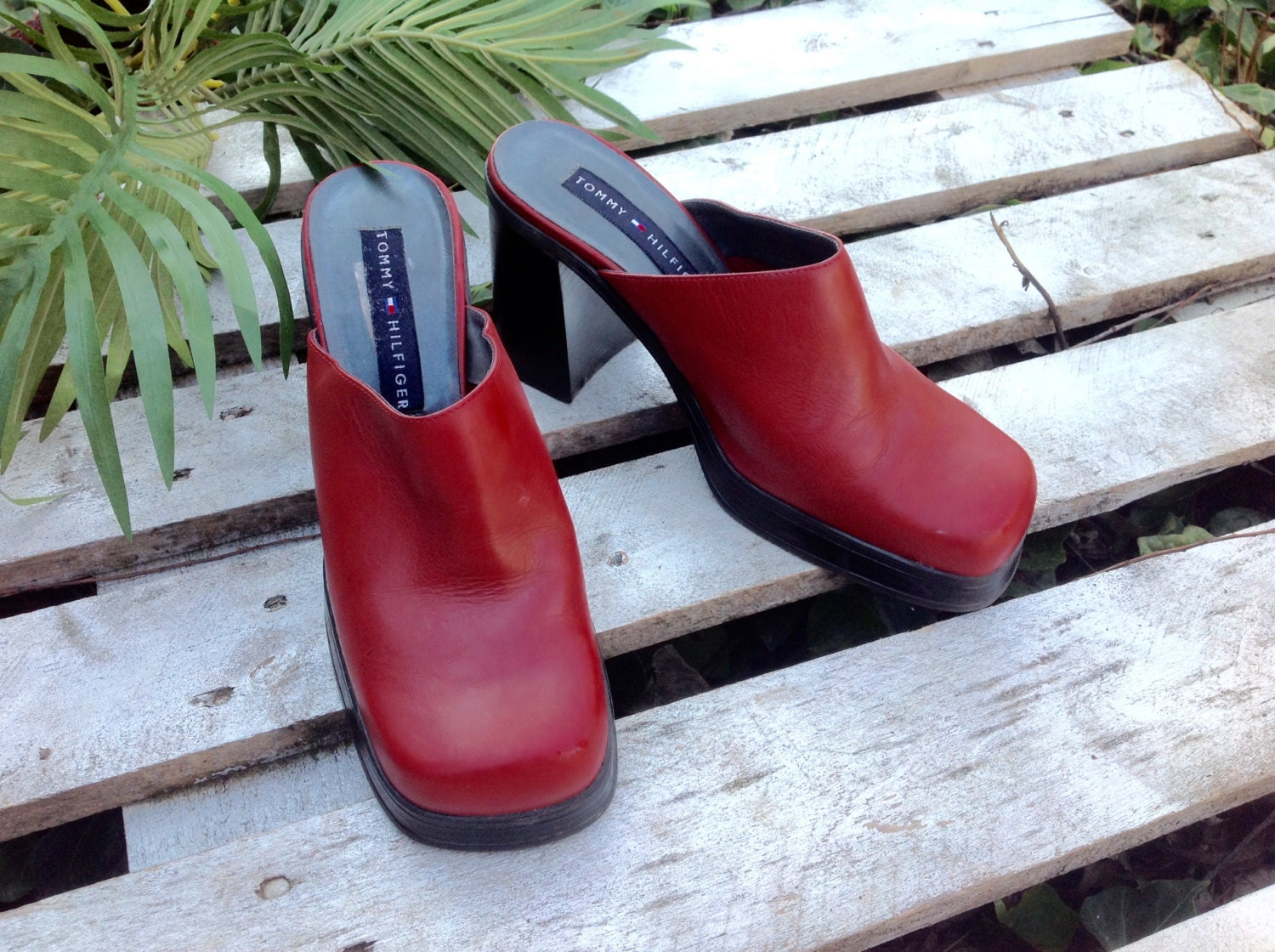 d6fcfa6ced88 Tommy Hilfiger vintage high heelpumpwedgechunky leather
