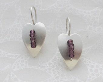 Feuille d'argent coeur et boucles d'oreilles perles de verre mauve