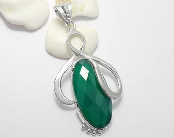 Unique 925 Sterling Silver Green Onyx Gemstone Pendant