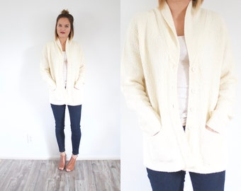 Vintage cream knit sweater // Medium cardigan // off white cream knit sweater cardigan // oversized sweater // cable knit button down jumper