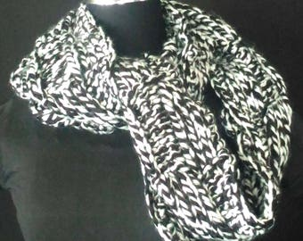 Acrylic Infinity Scarf-Circle Scarf- Black and White Colour Scarf-Hand Knit Crochet-Hand Craft-Christmas Gift-Winter Gift