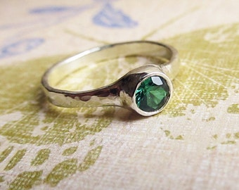 Emerald Ring, Genuine 4mm Gemstone in Sterling Silver Ring for Wedding Band or Birthstone