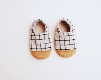 Baby Booties- Windowpane Bootie
