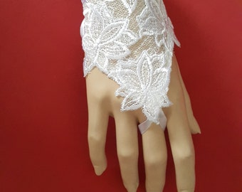 White Wedding Gloves, Lace Gloves, Bridal Fingerless Gloves, Wedding Mittens
