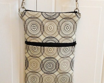 Concentric Circles Cross Body Bag
