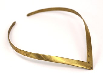 Vintage Brass Collar Statement Choker with a hole- Necklace L-7