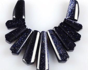 g0976 20mm to 40mm Blue sandstone goldstone graduated loose beads pendant beads set
