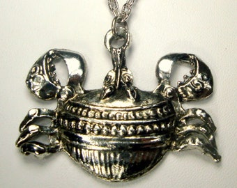 SALE, Modern Silver Crab Pendant on Chain, Crustacean Claws, Stylized Shellfish Necklace
