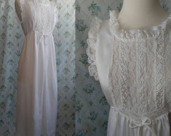 1960s white floor length nightgown