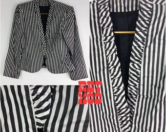 Cute Vintage 70s Black & Dusty Light Purple Stripe Ruffle Blazer!