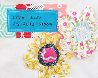 Zipper Pouch- Live Life in Full Bloom