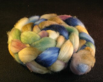 Combed Top / Roving Spinning Fiber Superwash Blue Faced Leciester Wool & Nylon Sock Blend 85/15% - Tuscan Summer - 4 Ounces