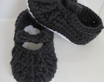 Handmade Crocheted Slip On Bow Detail Ballet Pumps Slippers Shoes Black and White Baby Girl 6-12 months 4 inch / 10 cm sole