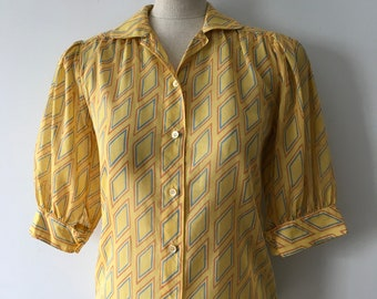 Vintage Vetina Paris 1970's does 1940's Blouse Amazing Print, Great Sleeves!