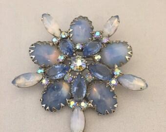 Vintage Retro 1950s 1960s 50s 60s large blue gem jewel diamante brooch pin