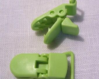 Clip, pacifier green 42 x 20 mm