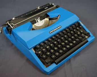 Glossy Blue Sperry Remington Idool Typewriter with Case