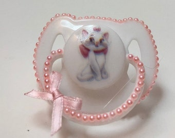 Alleycats 'Marie' magnetic reborn doll dummy pacifier