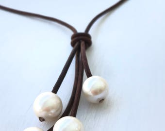 Pearl leather necklace, gift for her, leather and pearl necklace, pearl necklace, gift for women, timeless jewelry