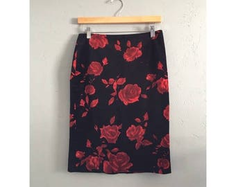 Black High Waist Velvet Skirt with Red Flowers