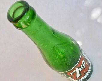 7 Up Soda Bottle / 1940s Vintage Green Bottle / Vintage ACL Duraglas Beverage / Collectible Glass / Kitchen and Dining / Serving