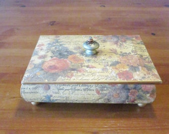 Treasure Box, Trinket Box, Keepsake Box, Jewelry Box, Vintage Box, Upcycled Box, #1209