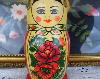 Vintage Russian Matryoshka Hand Painted Nesting Dolls - Set of 7 Wooden Dolls - Flowered Russian Stacking Dolls