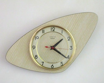 ICONIC 1950s Atomic Age Vintage French VEDETTE Wall Clock -  Boomerang Shape - Perfect Working Condition - Mid Century Diamond - RARE