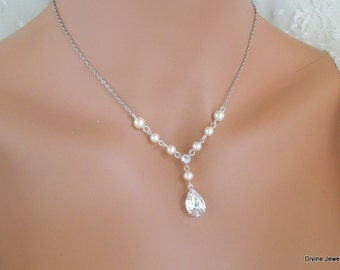Bridal jewelry Set Ivory Swarovski Pearls Bridal Classic Necklace Set Bridesmaid Necklace and earrings set Wedding Pearl Necklace Set LAYLA
