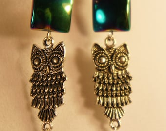 Owl earrings with iridescent glass beads