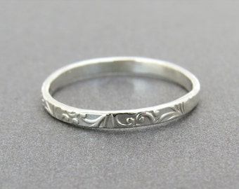 Thin Floral Silver Ring - silver wedding Band, Floral Stacking Ring, Flower wedding ring, Delicate ring, silver stacking ring, stackable.