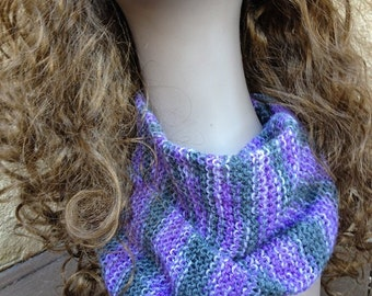 Simple Sock Weight Scarf - a loom knit pattern