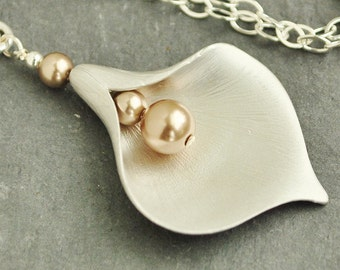 Calla Lily Necklace, Flower Pendant Necklace, Bridesmaid Necklace, Wedding Jewelry Sterling Silver Chain