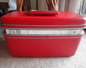Samsonite Red Train Case Makeup Vanity
