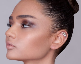 Silver Leaves Cartilage earring - cartilage earring , silver ear piercing , cartilage stud earring , helix piercing , helix stud