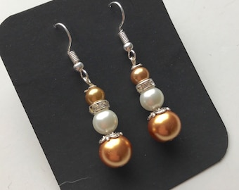 Gold and White Beaded Drop earrings, Gold White glass bead earrings, gold white drop earrings, gold white earrings, gold white bead earrings