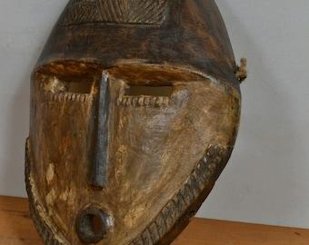 African mask from kisangani   DRC