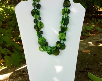 Green buttons necklace