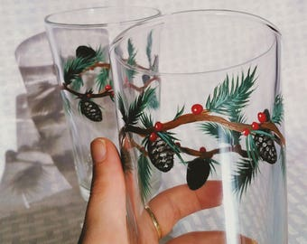 Pine Christmas Decor | Christmas Home Decor Pine, Red Christmas Berries, Holiday Glass Set, Painted Pine Cone Decor, Christmas Decor