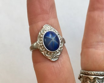 vintage faux star sapphire and sterling ring, size 6