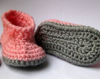 Baby slippers, Crochet baby Slippers, Baby booties, Baby shoes. Pink, peach and grey color.