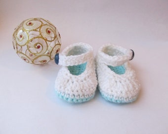 SALE! Baby slippers, Crochet baby Slippers, Baby booties, Baby shoes. White and sea blue.