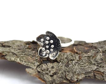 Hellebore Ring - Size 5.5 to 6 - Sterling Silver Plant Jewelry - Botanical Flower Ring - Hellebore Jewelry - Helleborus Jewelry - A