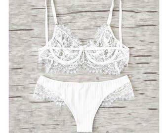 Amanda HW w/ Eyelet Lace Bralette in White