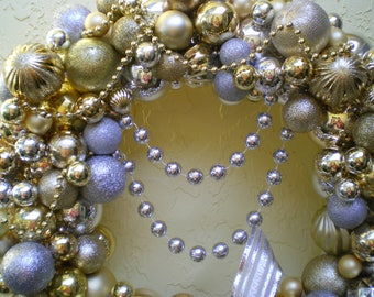 GLITZ AND GLAMOUR Celebration wreath