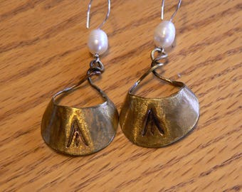 Curved crescent earrings